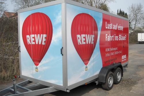 Car-wrapping-Beschriftung Anhaenger-REWE